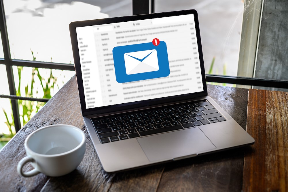 BENEFITS OF A PROFESSIONAL E-MAIL
